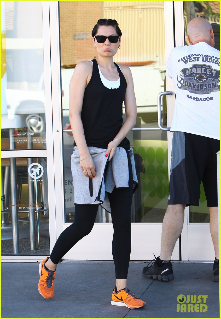 jessie j rocks blue hair while spending time in la 113032523