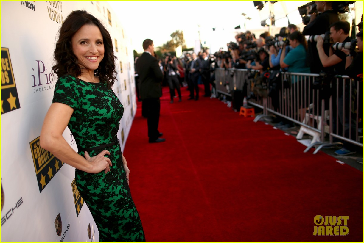 julia louis dreyfus critics choice movie awards 2014 02