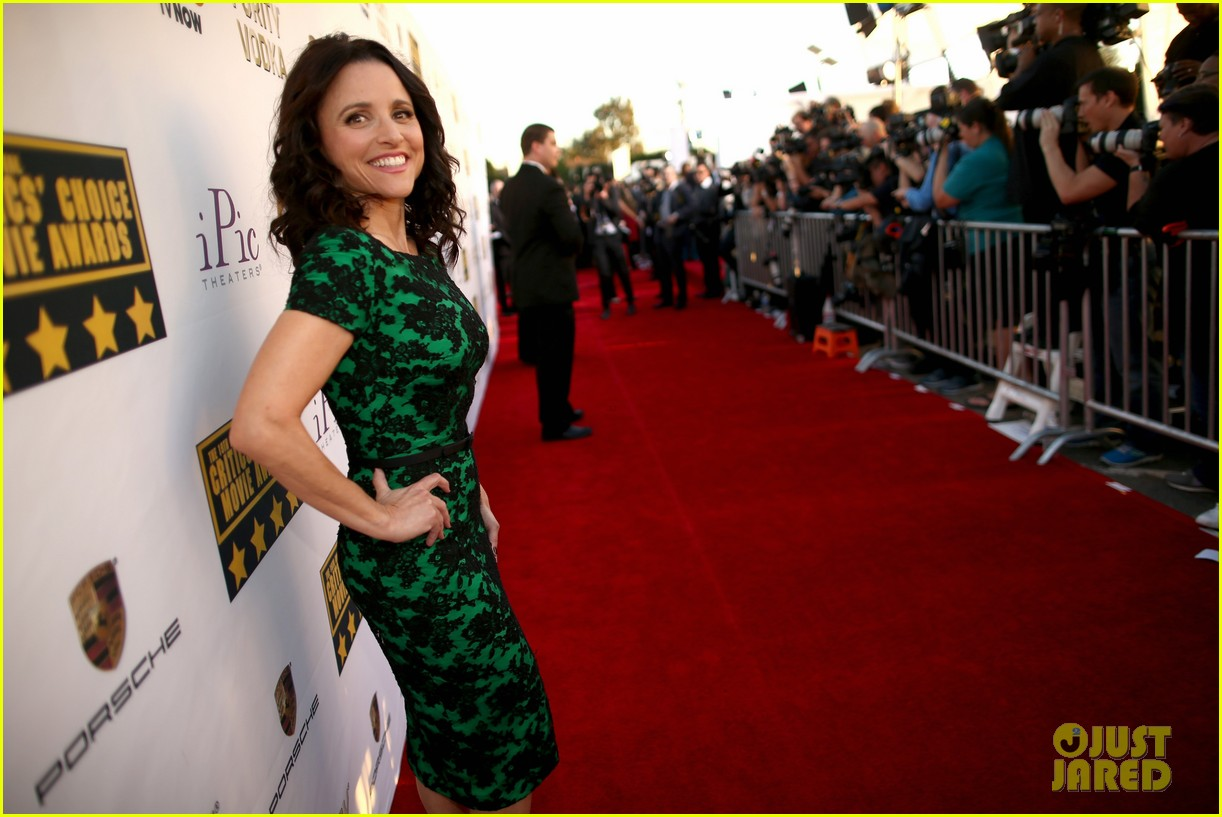 julia louis dreyfus critics choice movie awards 2014 063033044