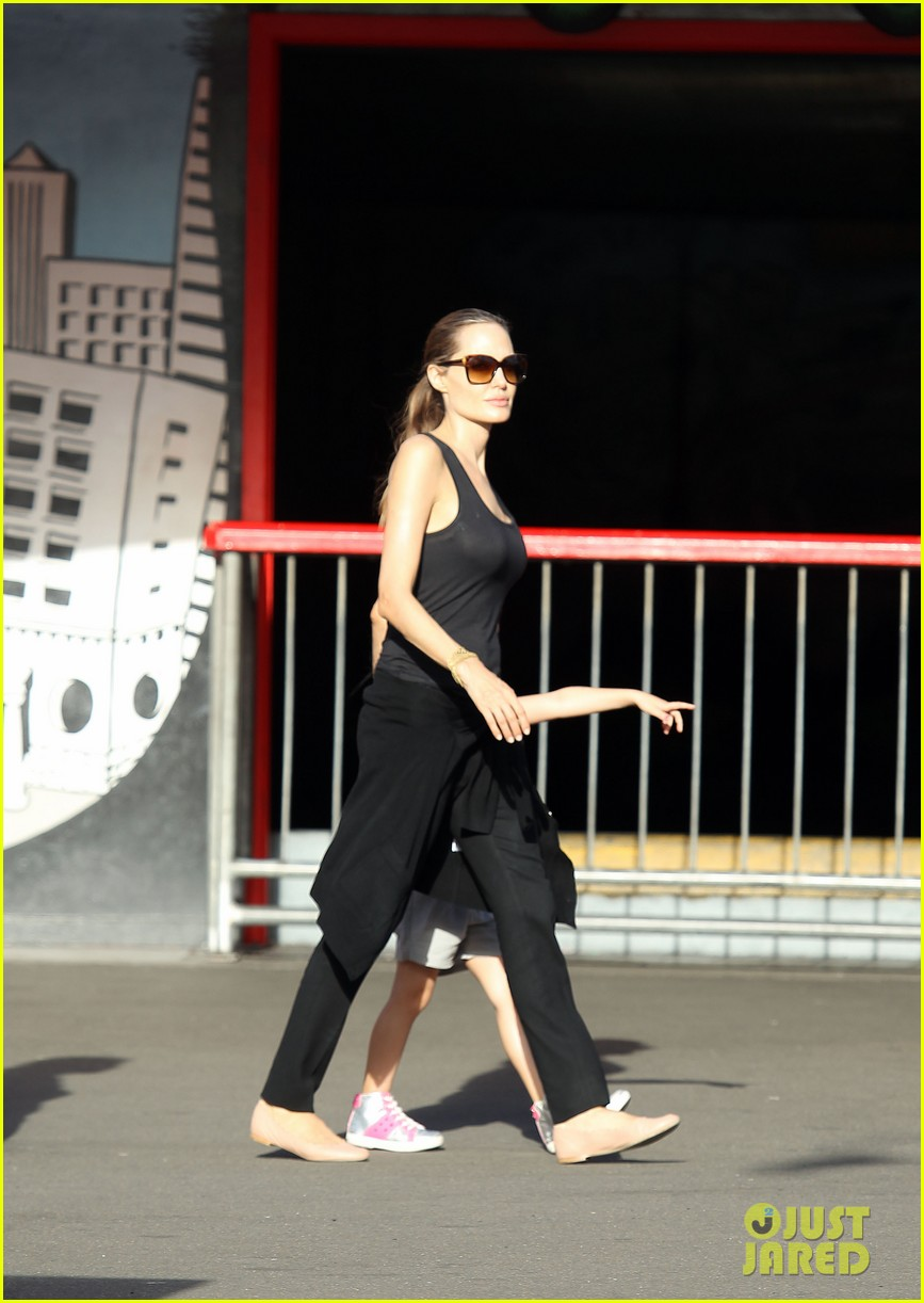 angelina jolie luna park fun with the kids 10