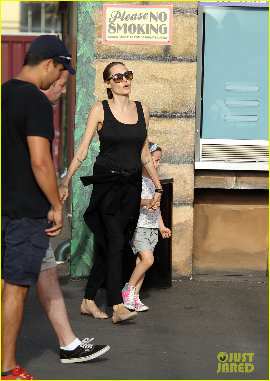 angelina jolie luna park fun with the kids 20