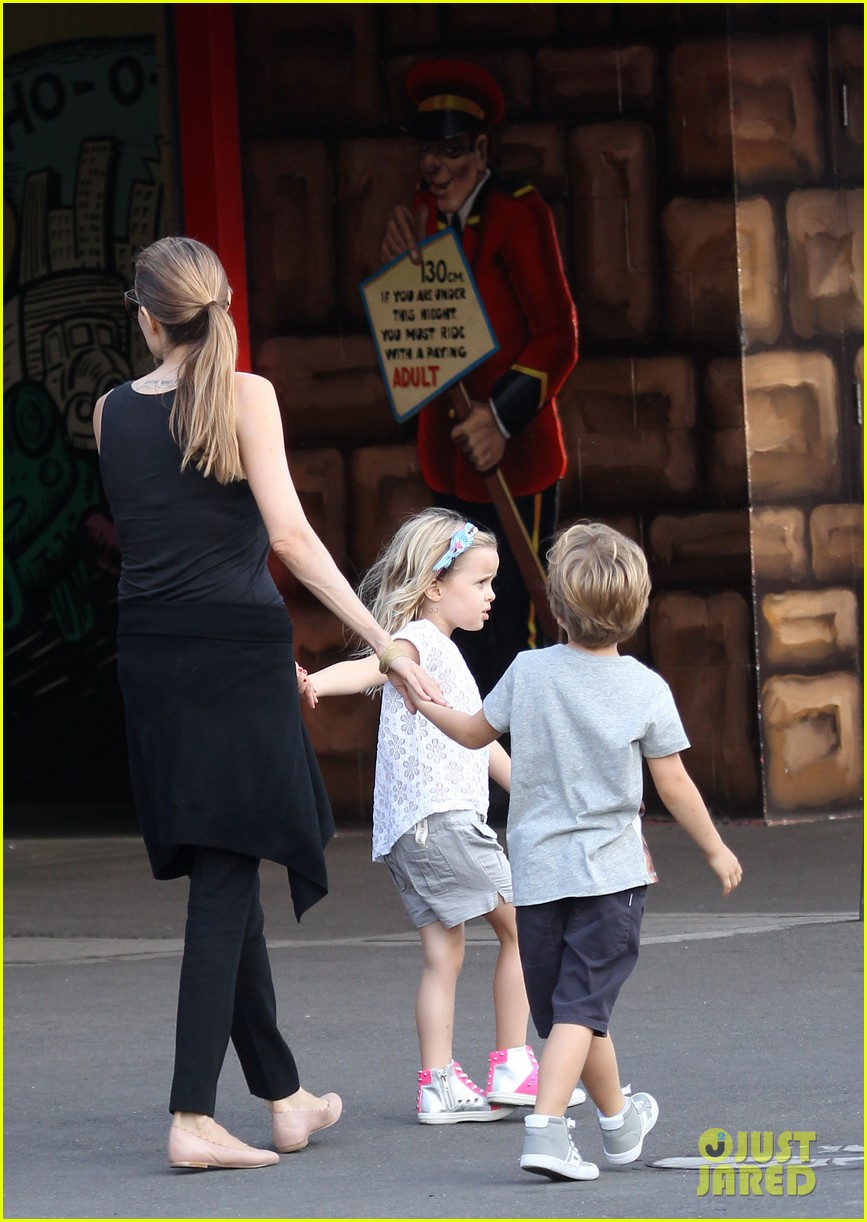 angelina jolie luna park fun with the kids 22