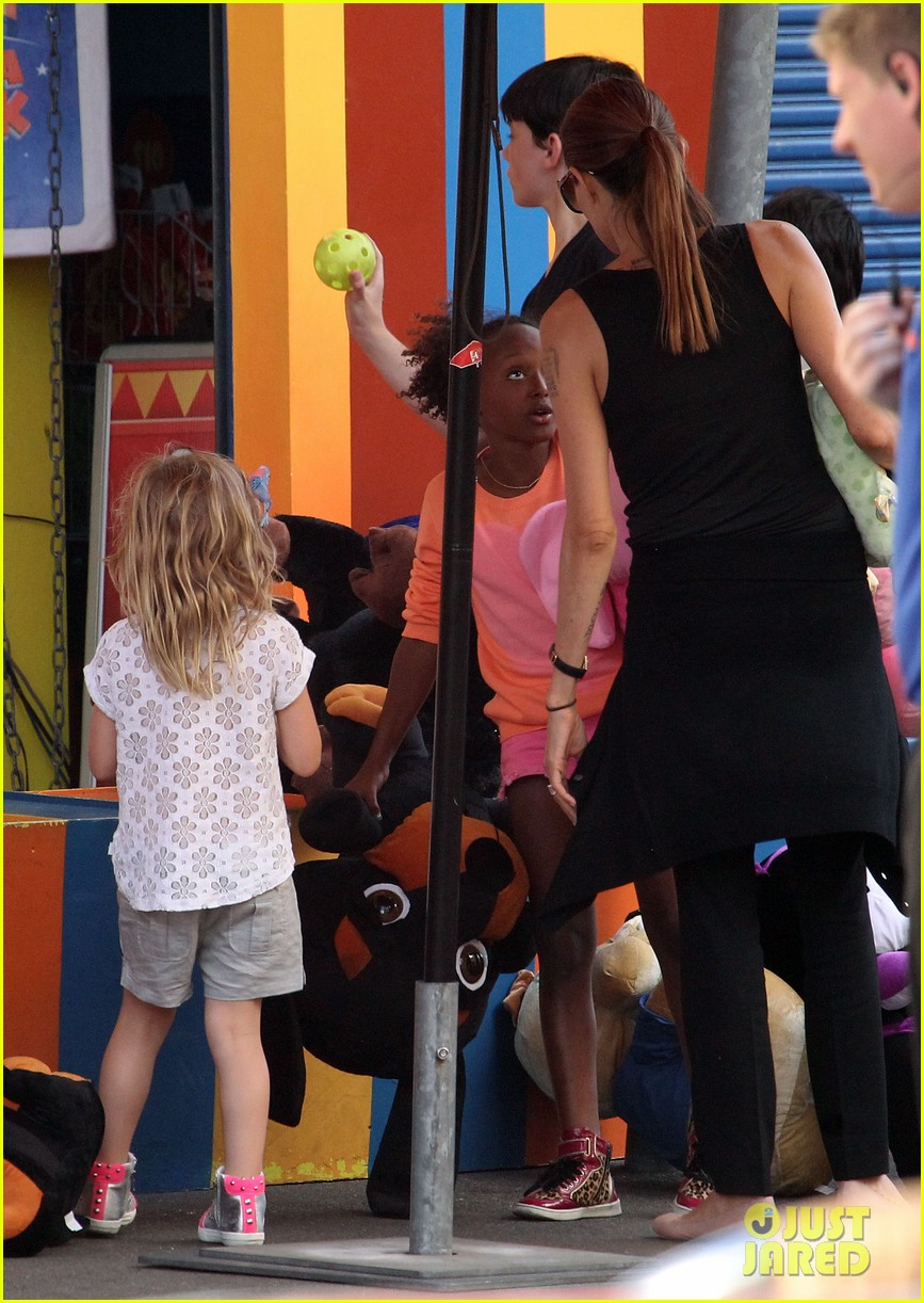 angelina jolie luna park fun with the kids 51