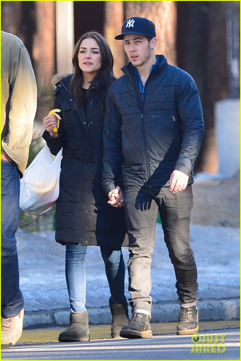 nick jonas olivia culpo hold hands in chilly mammoth 113021537