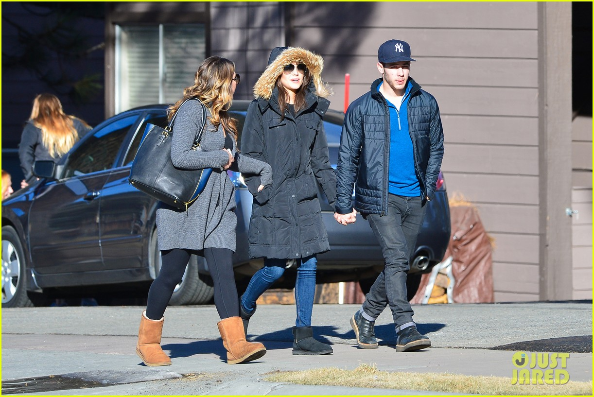 nick jonas olivia culpo hold hands in chilly mammoth 21