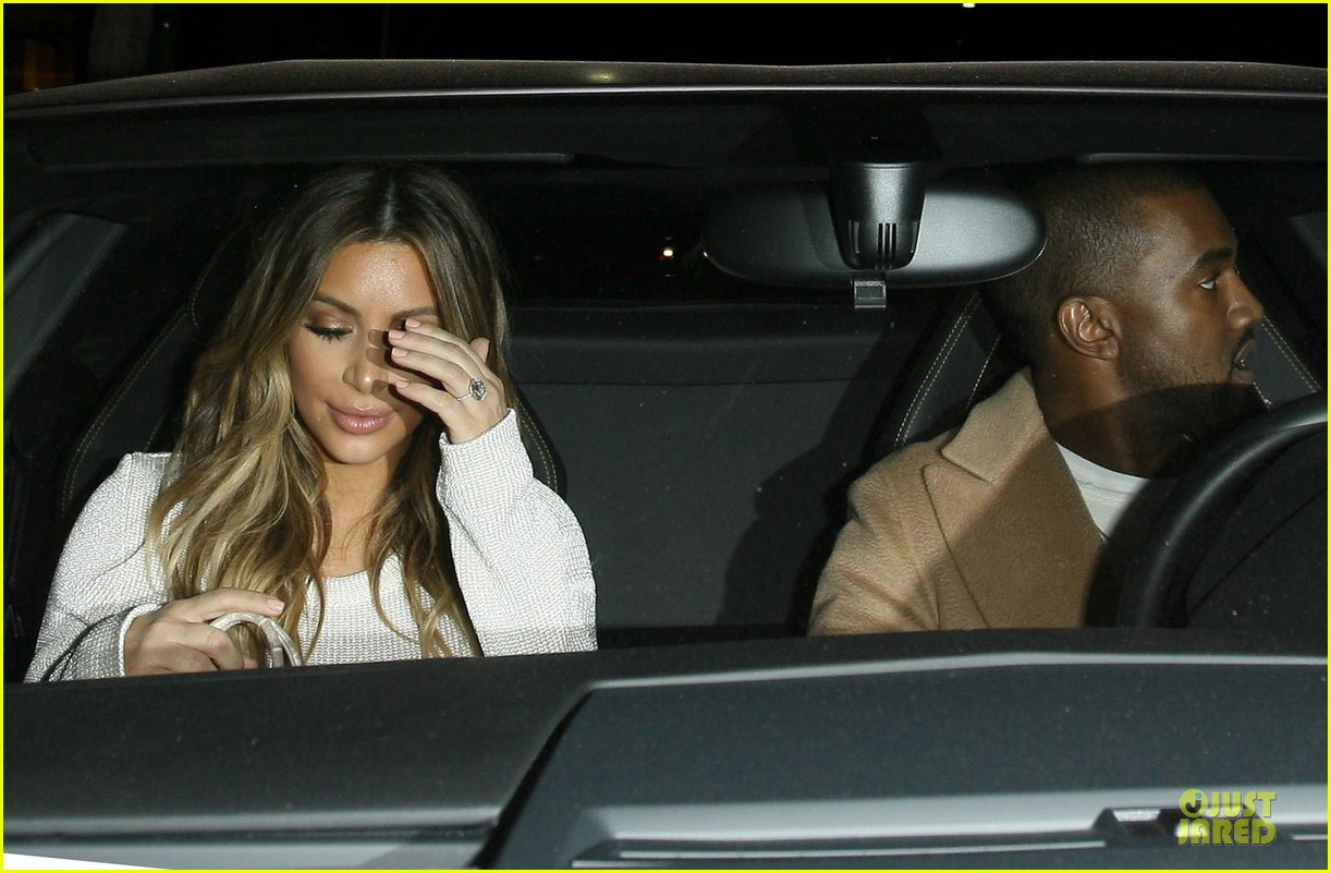 kim kardashian bares midriff for dinner with kanye west 17