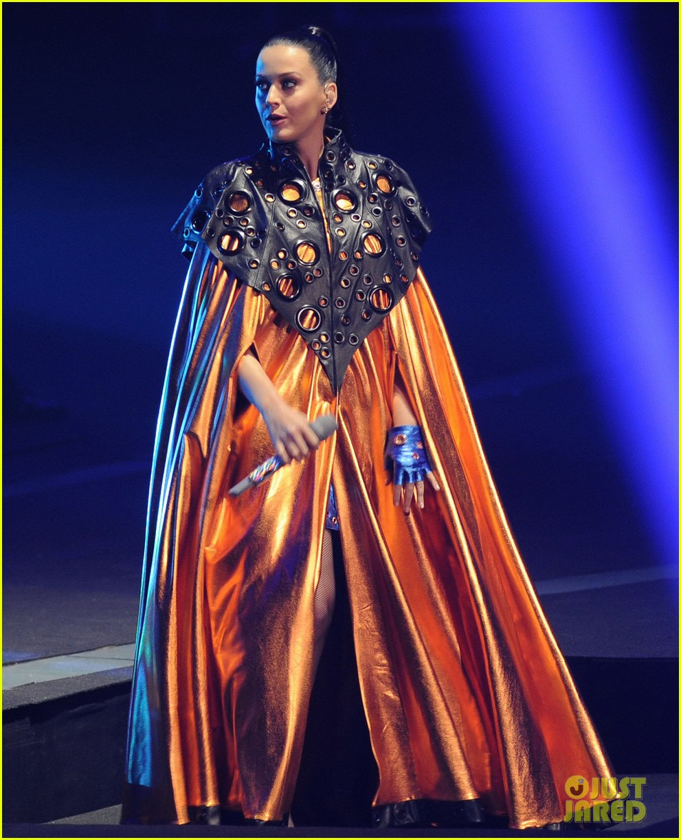 katy perry performs infiniti brand festival 2014 china 08