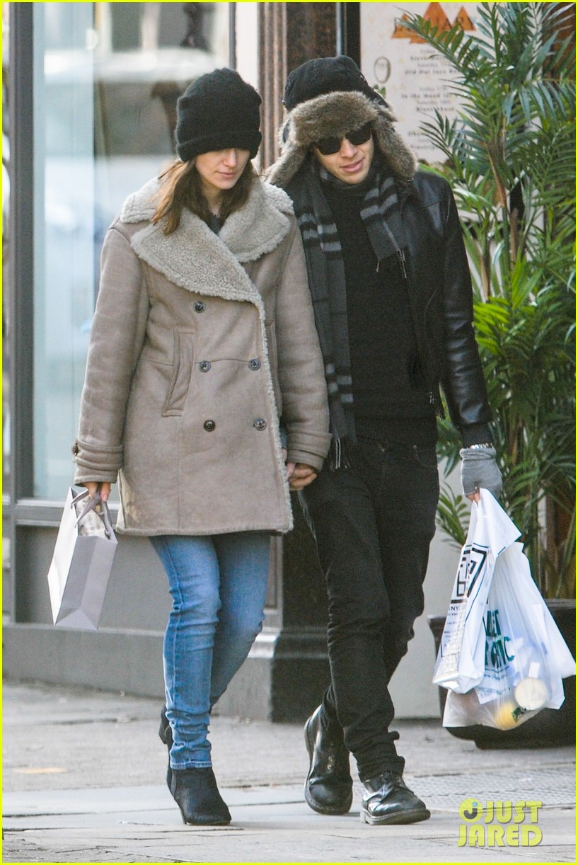 keira knightley james righton walk hand in hand for shopping trip 16