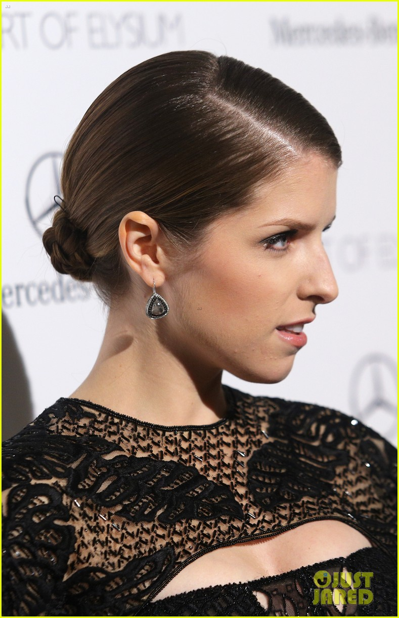anna kendrick gillian jacobs art of elysium heaven gala 043028500