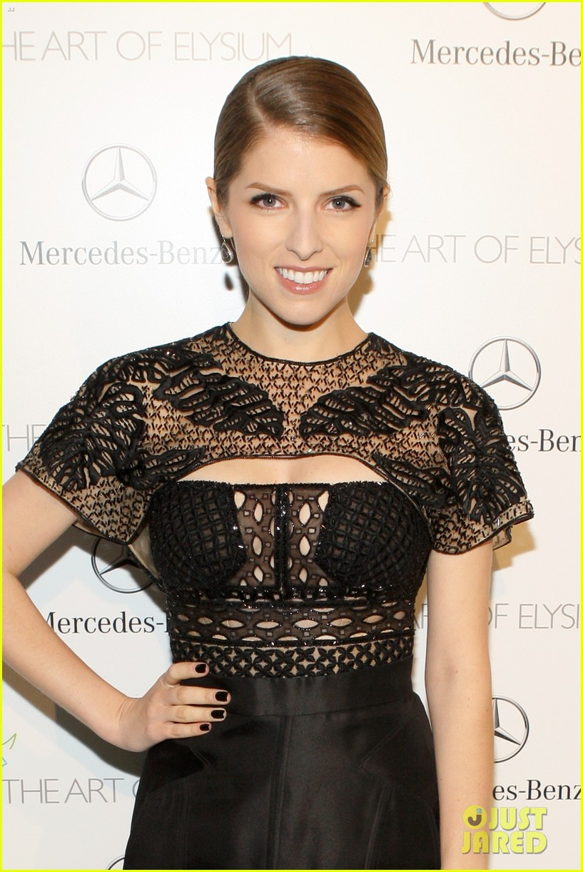 anna kendrick gillian jacobs art of elysium heaven gala 063028502