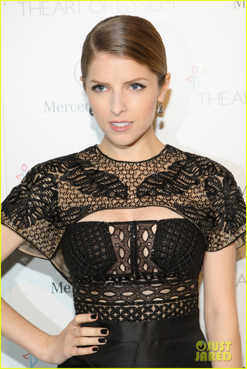 anna kendrick gillian jacobs art of elysium heaven gala 12