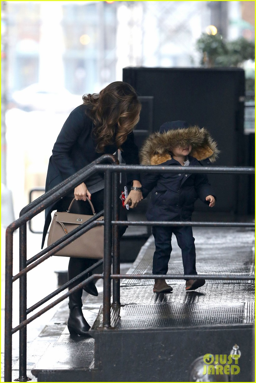 miranda kerr takes flynn to orlando blooms on his 3rd birthday 223023700