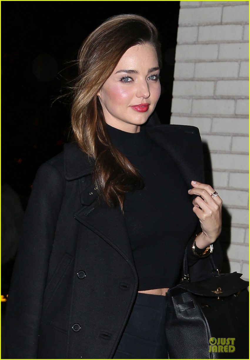 miranda kerr bares midriff to wrap up january 04