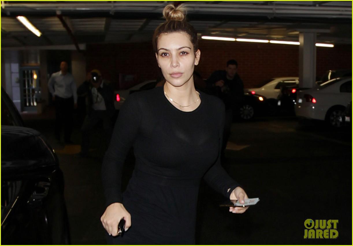 kim kardashian makeup free for mani pedi 02