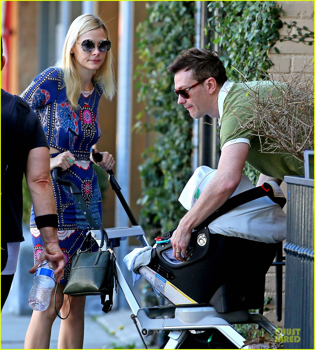 jaime king family lunch after friday gifting suite stop 06