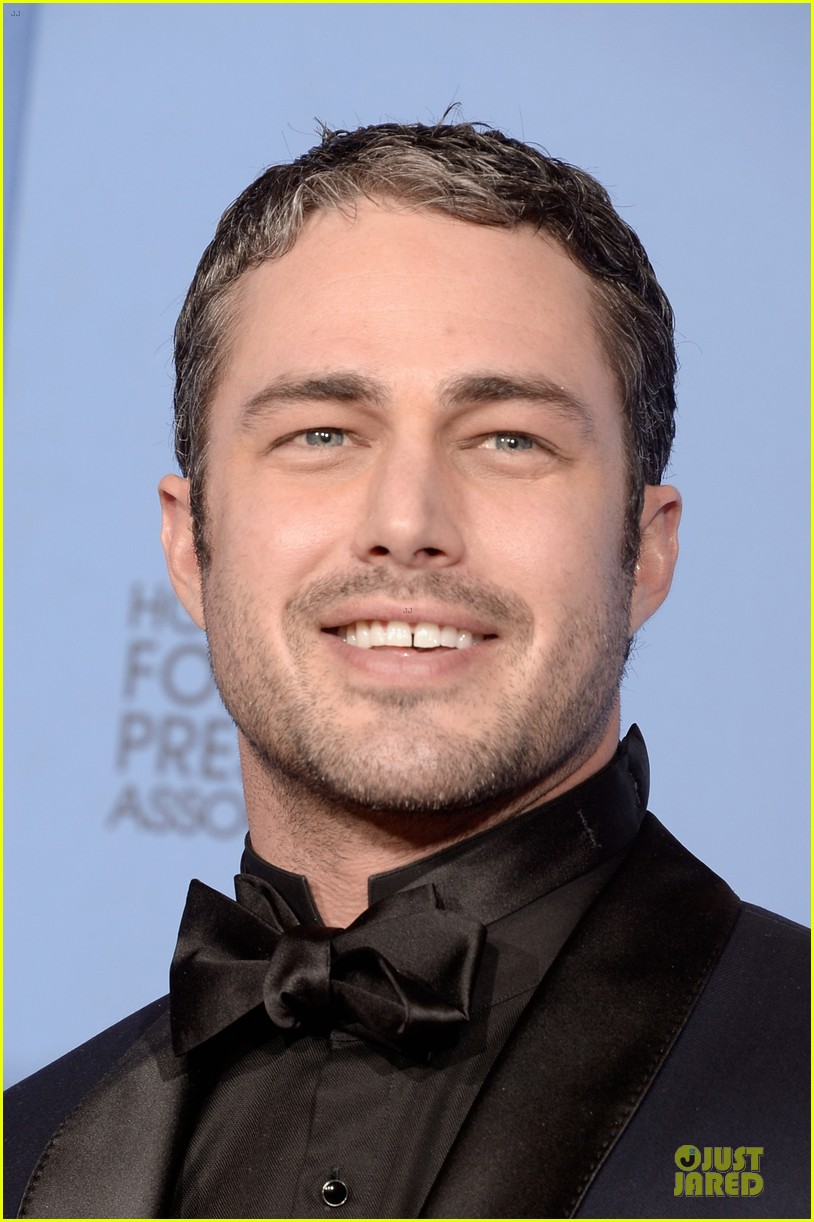 taylor kinney jesse spencer golden globes 2014 023029653