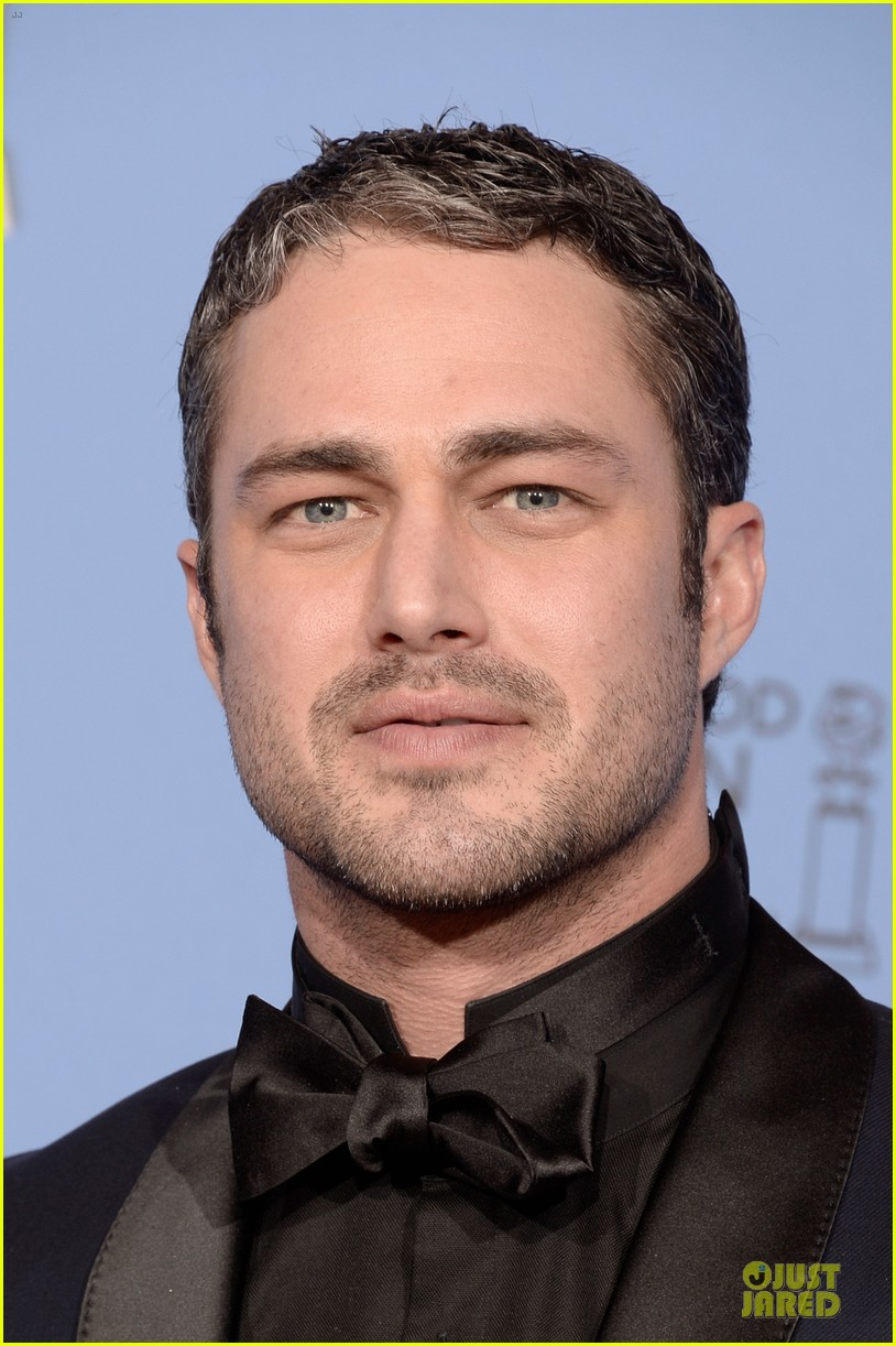 taylor kinney jesse spencer golden globes 2014 043029655