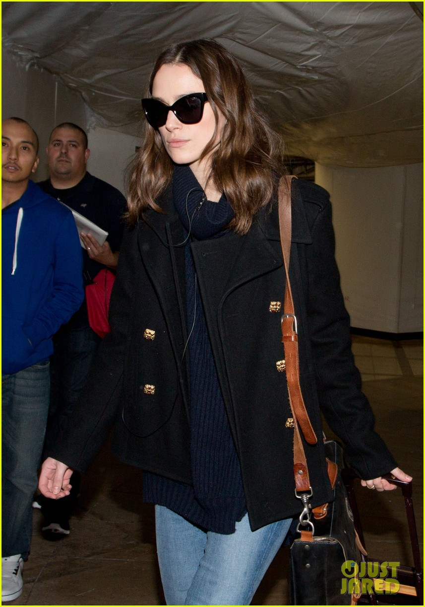 keira knightley visits stella lounge before leaving sundance 083035291