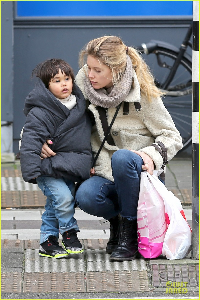 doutzen kroes netherlands shopping with phyllon 08