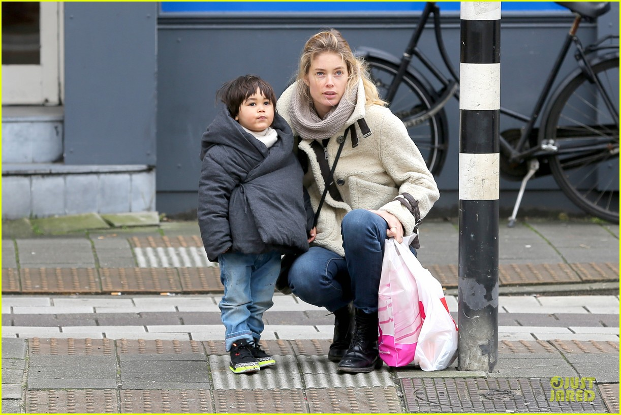 doutzen kroes netherlands shopping with phyllon 09