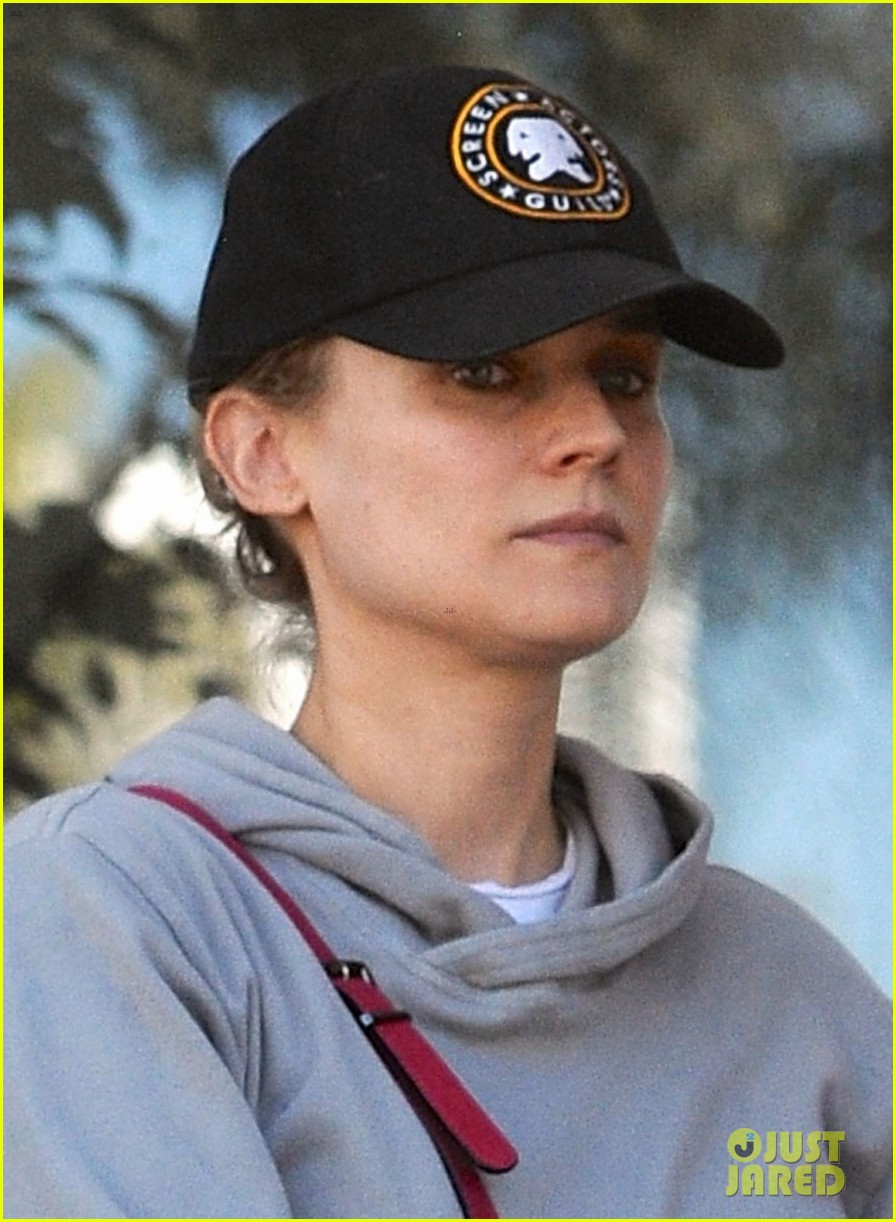 diane kruger grabs food at gelsons after weekend workout 033023778