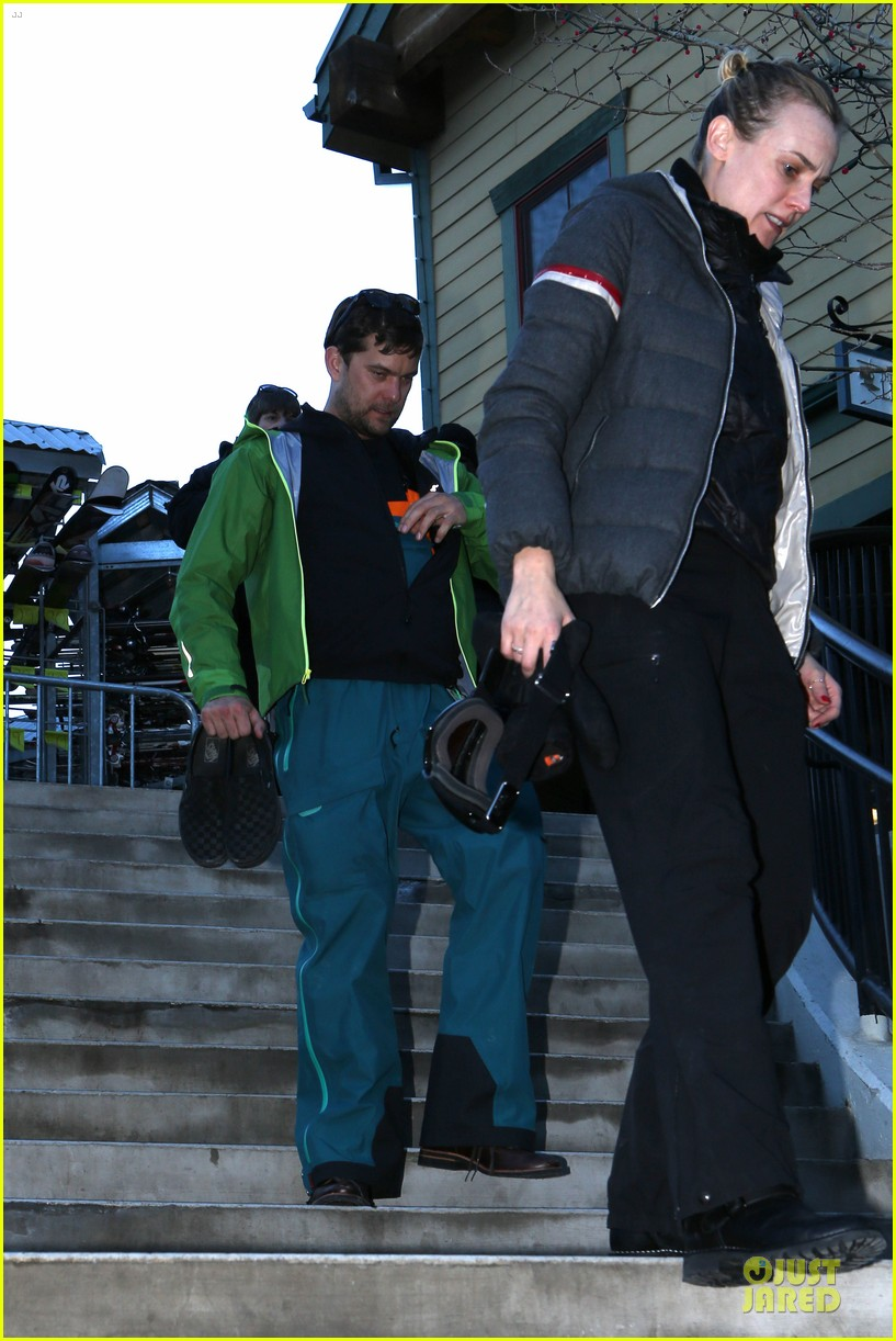 diane kruger joshua jackson skiing pair in park city 01