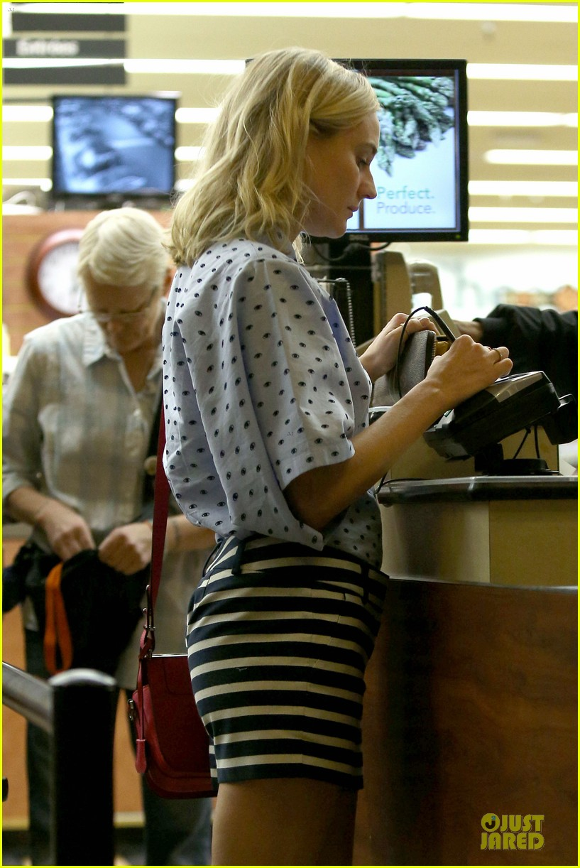 diane kruger mixes stripes polkadots for grocery run 133024190