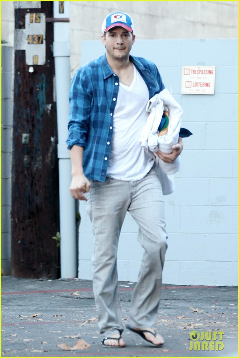 ashton kutcher invests in laundry app washio 16