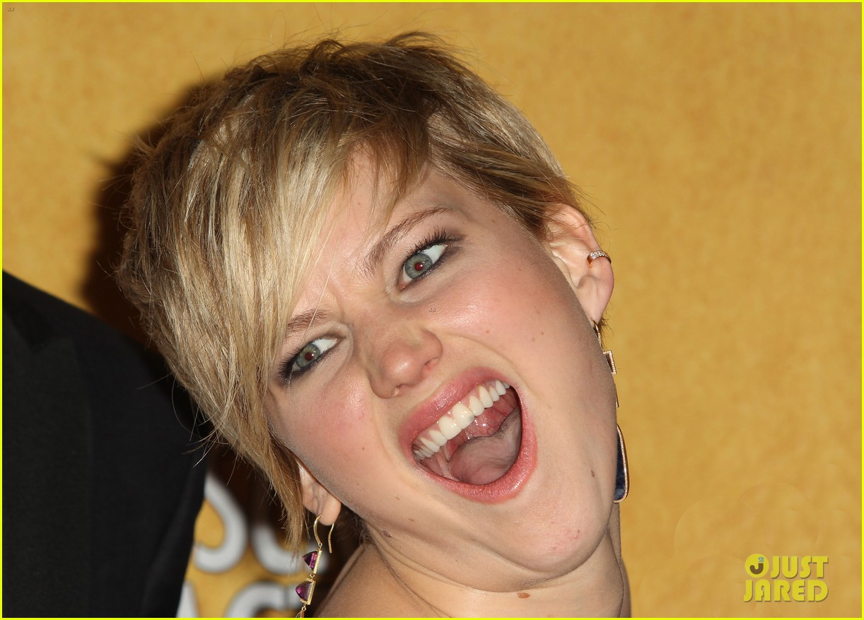 jennifer lawrence funny faces in sag awards press room 323035327