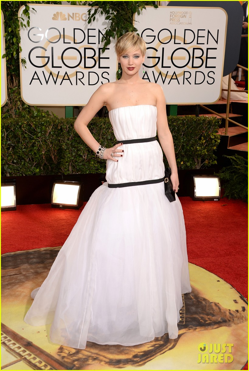 jennifer lawrence golden globes 2014 red carpet 103029281