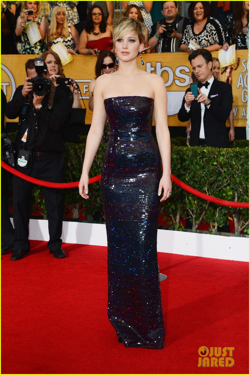 jennifer lawrence sag awards 2014 red carpet 10