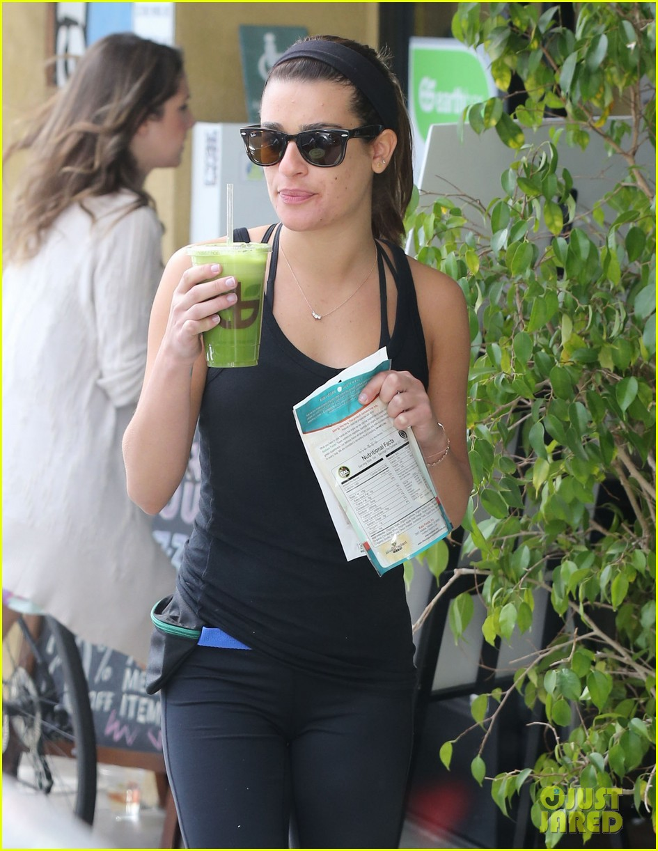 lea michele grabs healthy juice after sunday workout 10