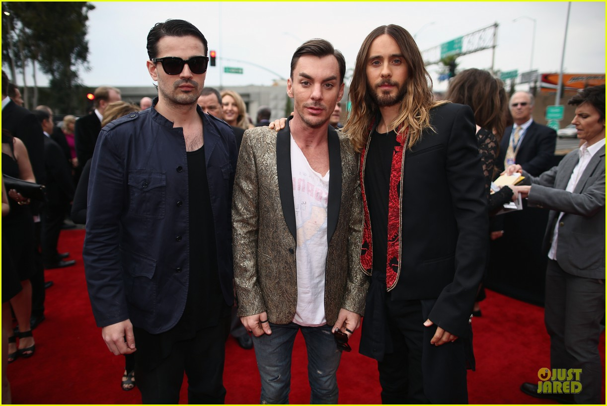jared leto 30 seconds to mars grammys 2014 red carpet 053041284