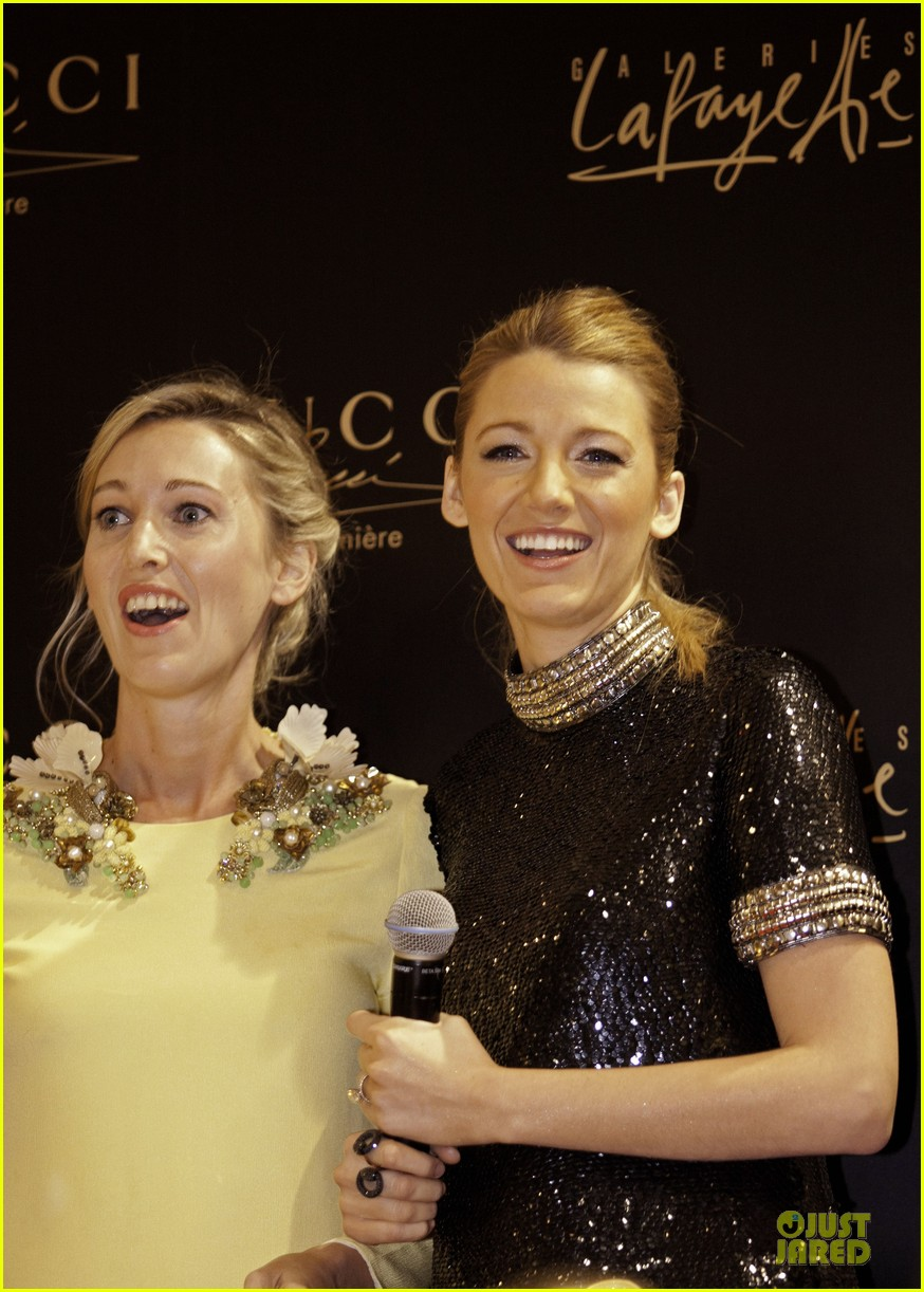 blake lively gucci premiere photo call 03