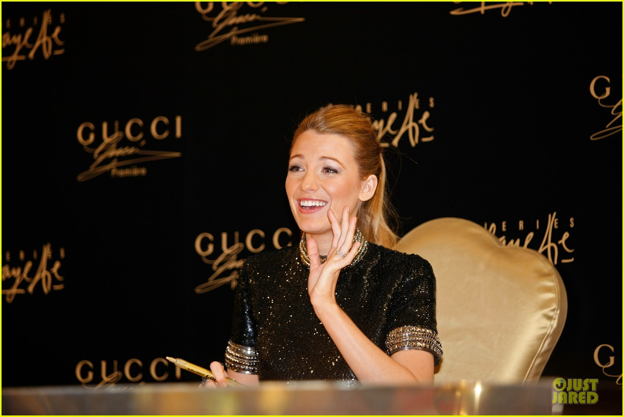 blake lively gucci premiere photo call 10