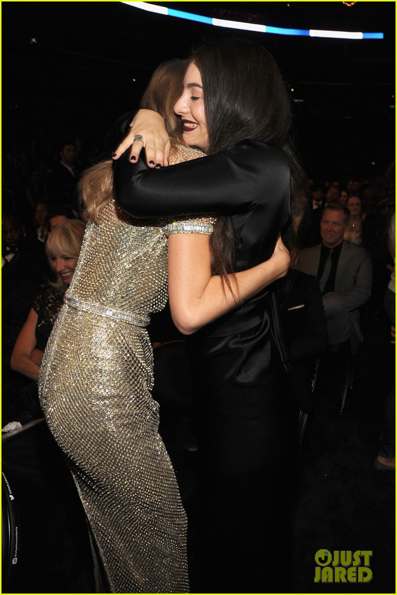 lorde meets up with taylor swift after her grammys 2014 win 05