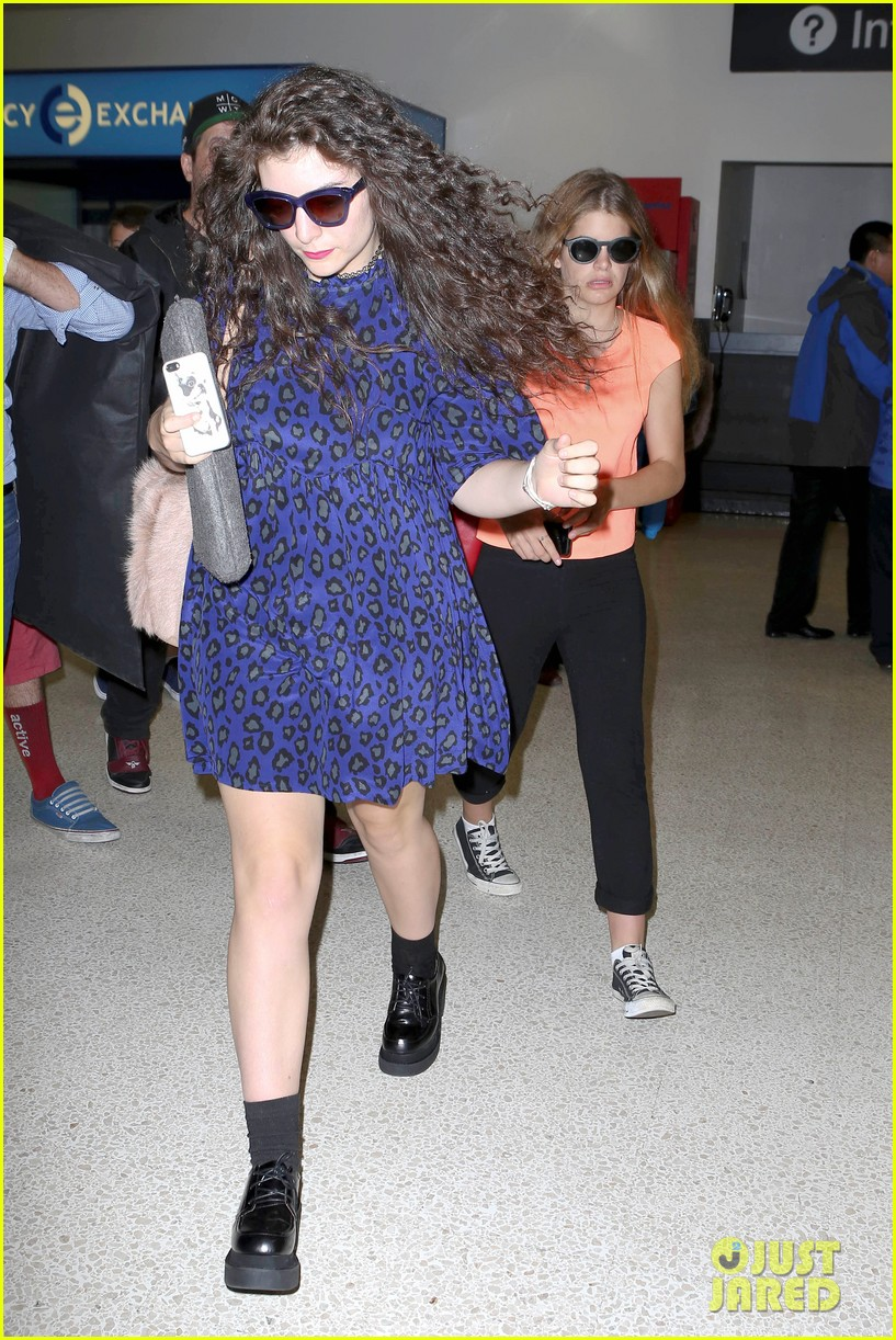 lorde arrives in town for grammy awards 2014 243038493