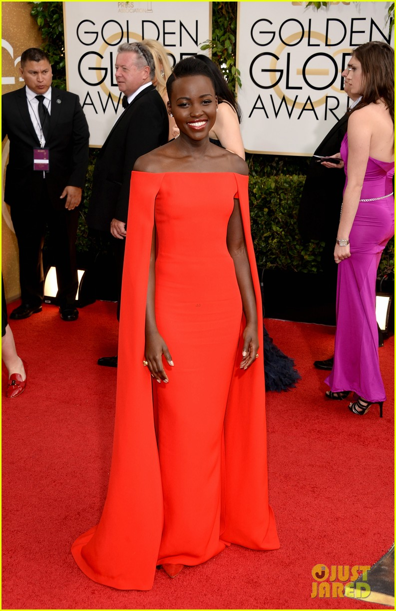 lupita nyongo golden globes 2014 red carpet 043029122