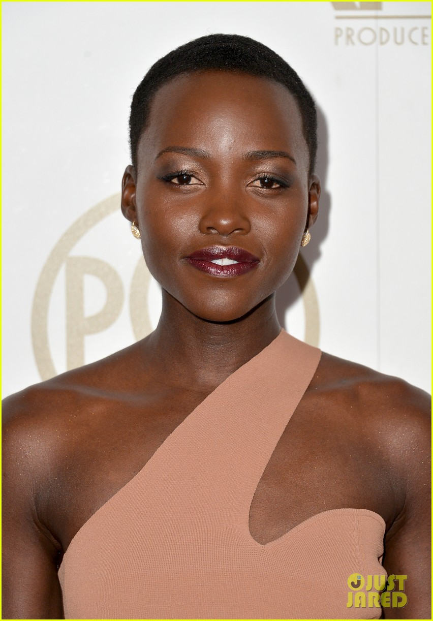 lupita nyongo producers guild awards 2014 red carpet 033035823