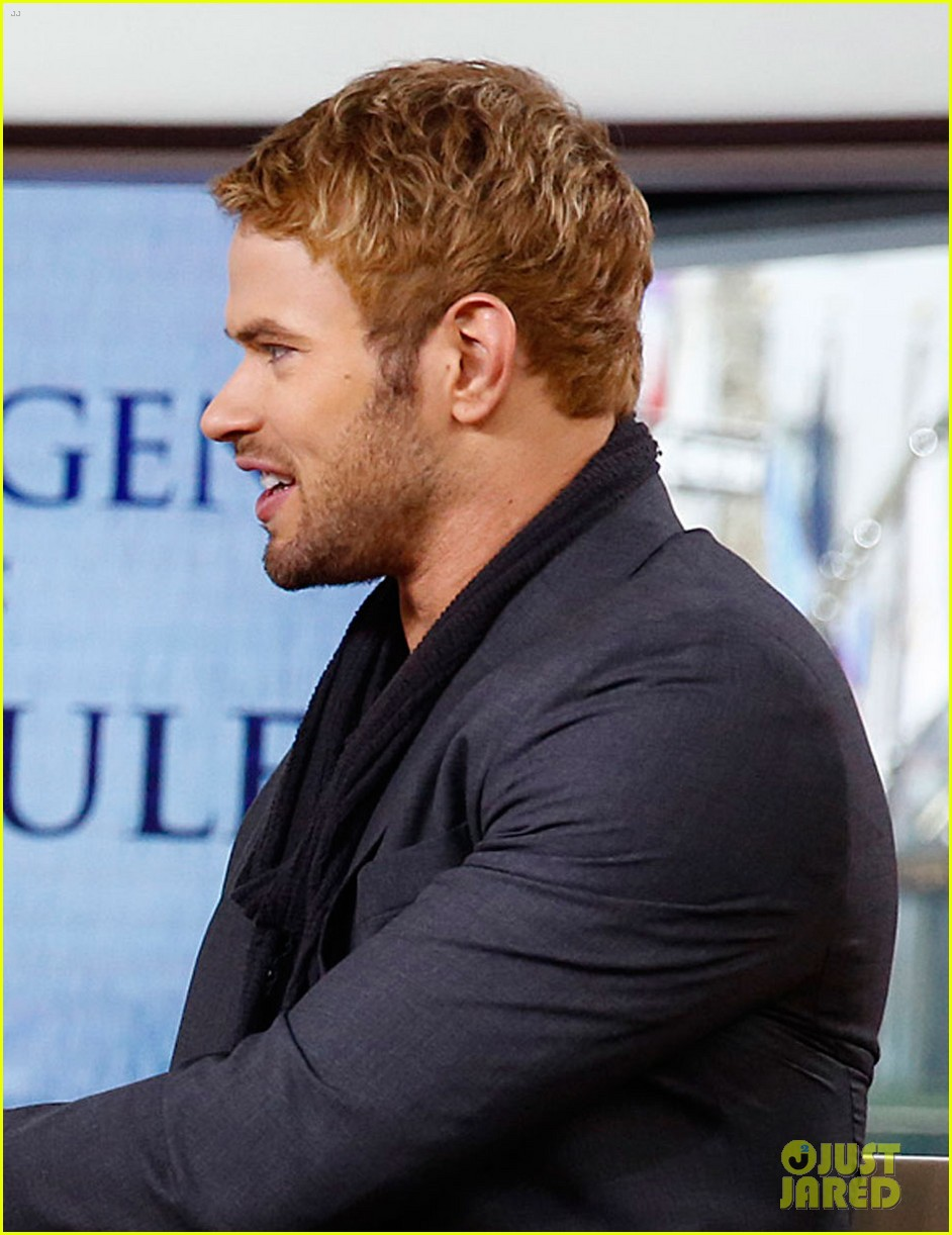 kellan lutz does a bollywood workout on kelly michael 083025447