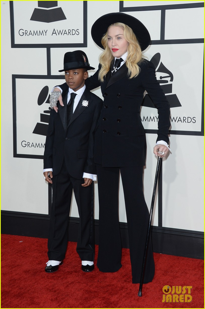 madonna grammys 2014 red carpet with son david 01
