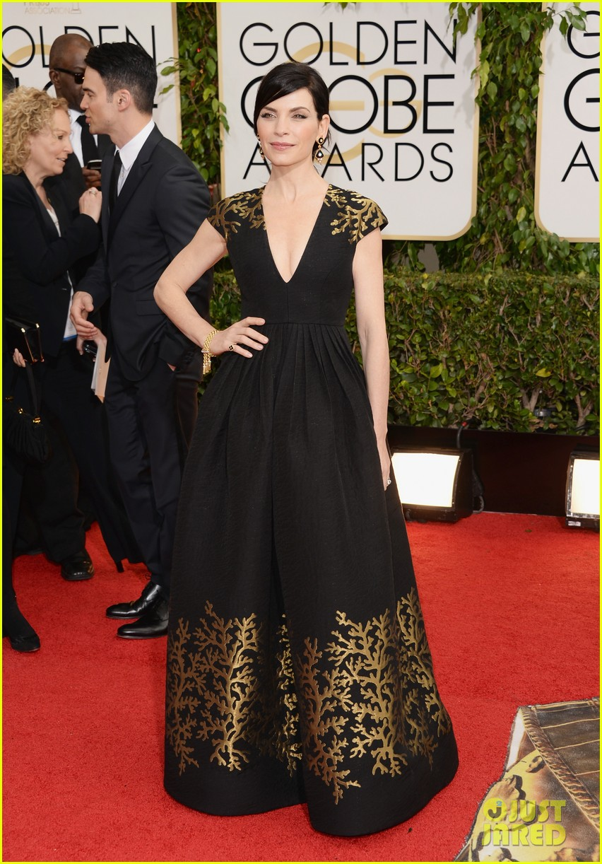julianna margulies golden globes 2014 red carpet 033029467