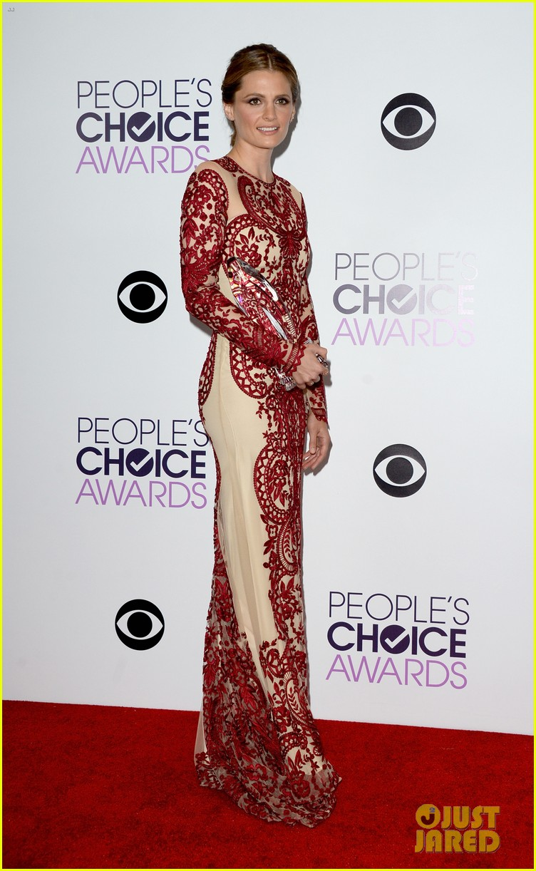 julianna margulies stana katic peoples choice awards 2014 13