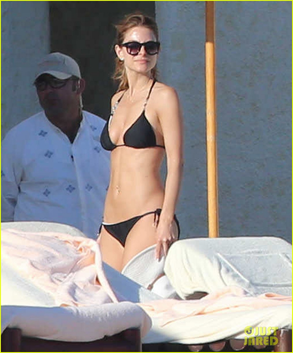maria menounos shows off fabulous bikini body in mexico 063022047