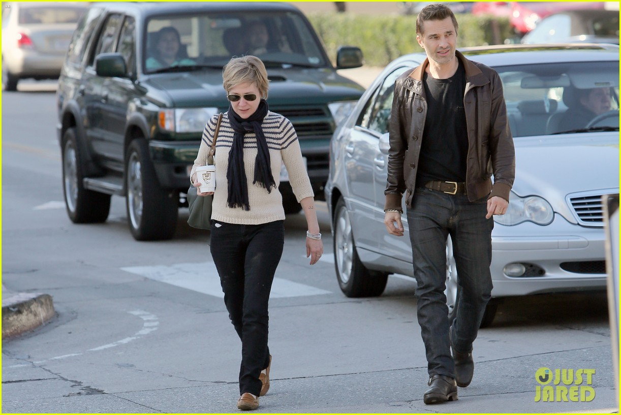 olivier martinez new years day with mother rosemarie 12