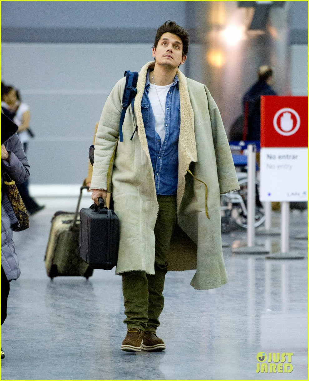 john mayer flies into the polar vortex welcome to chilly nyc 01