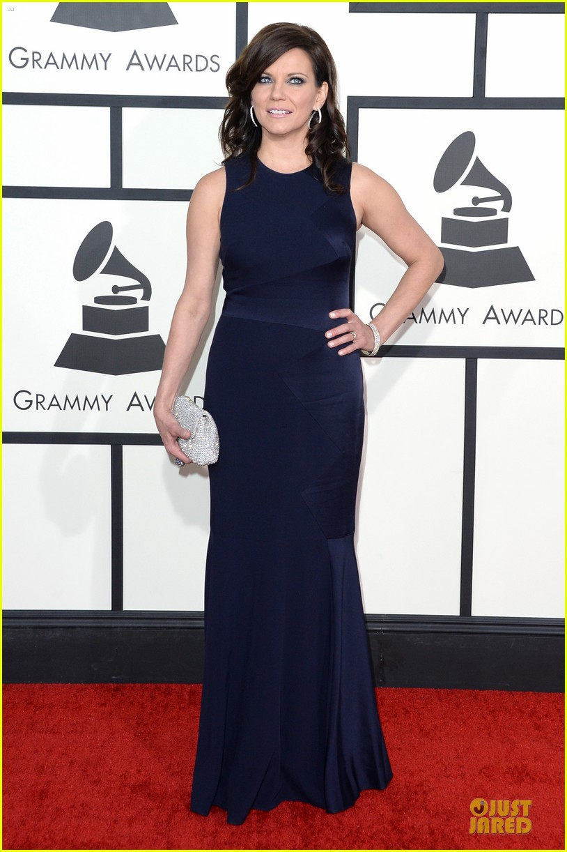 martina mcbride cyndi lauper grammys 2014 red carpet 063041538