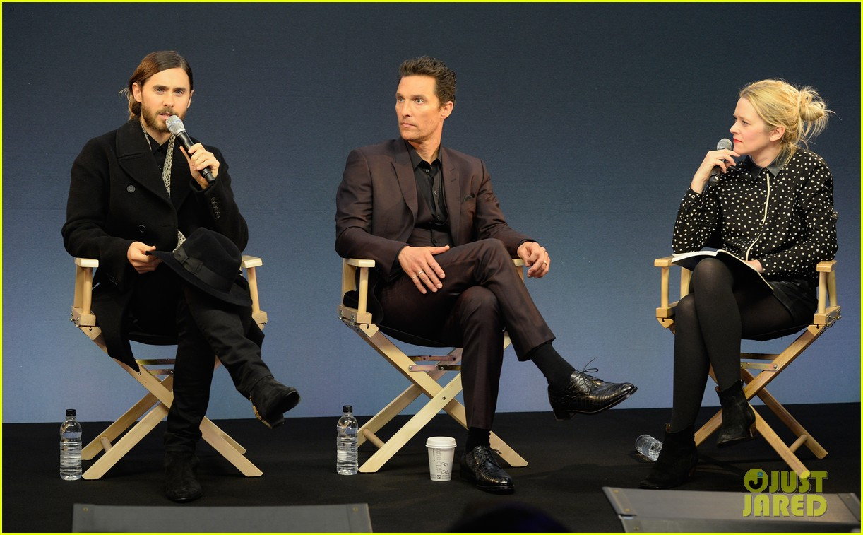matthew mcconaughey jared leto are the sexiest geniuses at the apple store 01