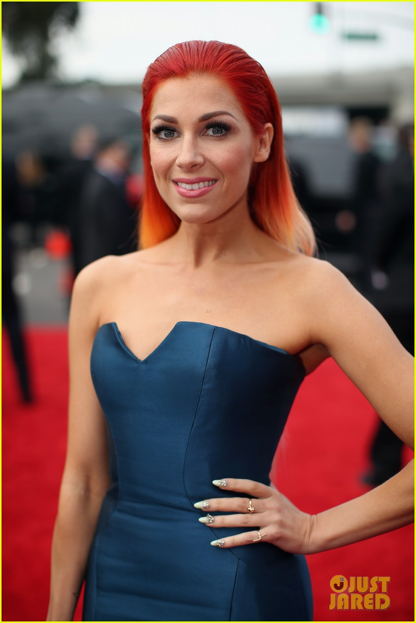 bonnie mckee grammys 2014 red carpet 02