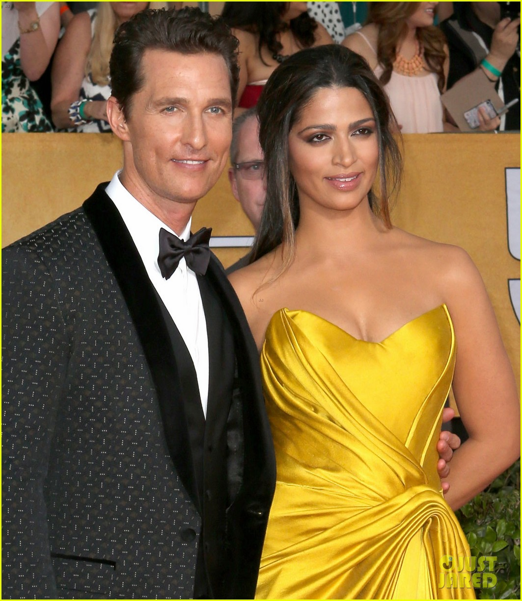 matthew mcconaughey sag awards 2014 red carpet camila alves 033034769